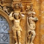 I telamoni del portale del collegio dei Gesuiti