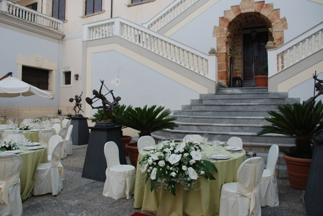 Reception in the courtyard